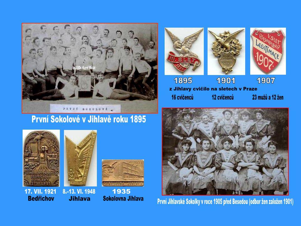 V popředí zleva: Oldřich Jelínek, Zdeňka Hošková, Jarka Zemanová, MVDr.