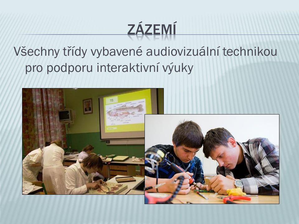 Všechny třídy vybavené audiovizuální technikou pro podporu interaktivní výuky