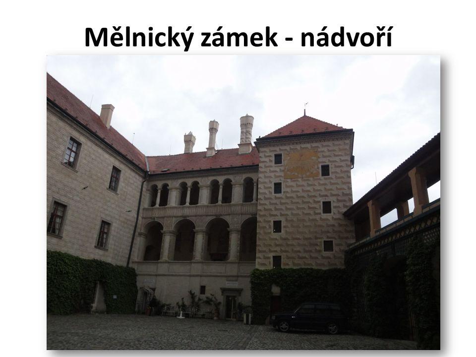 Mělnický zámek - nádvoří