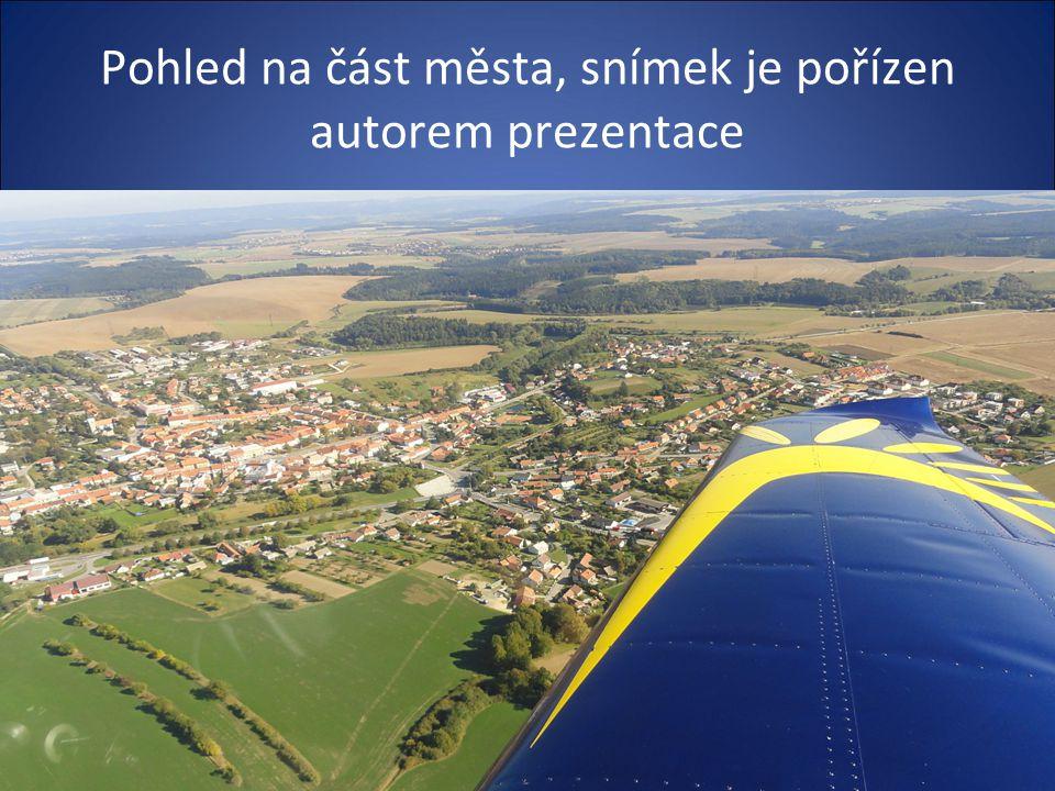 Město má necelých pět tisíc obyvatel jeho nadmoř. výška je 476 metrů