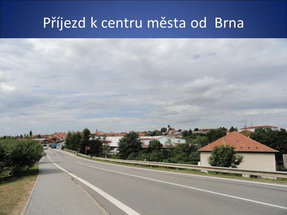 Pohled na město-ze silnice od Brna
