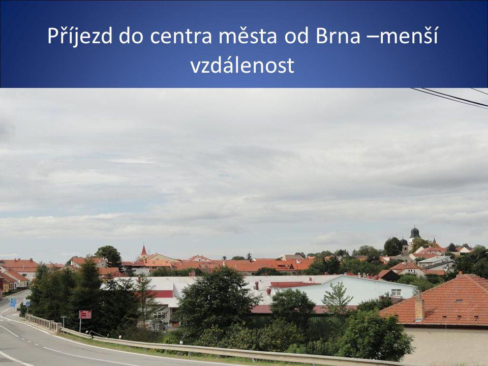 Příjezd k centru města od Brna