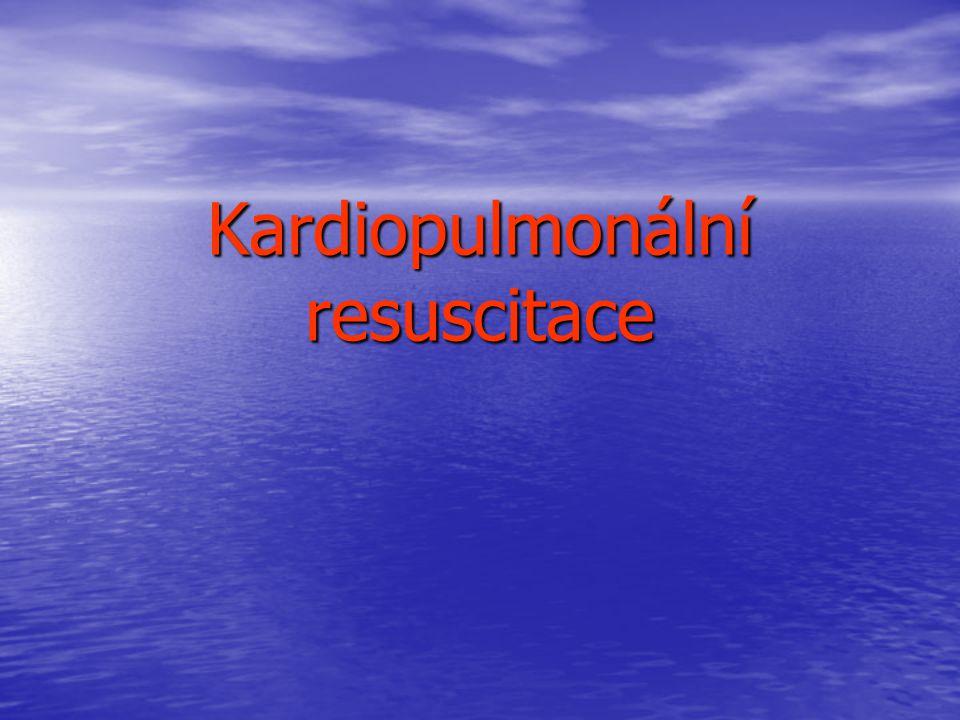 A – dýchací cesty tracheální intubace komplikace komplikace traumaticko-mechanická poškození traumaticko-mechanická poškození intubace do jícnu intubace do jícnu intubace do hlavního bronchu intubace do hlavního bronchu stimulace reflexů larygoskopem a tracheální rourkou stimulace reflexů larygoskopem a tracheální rourkou