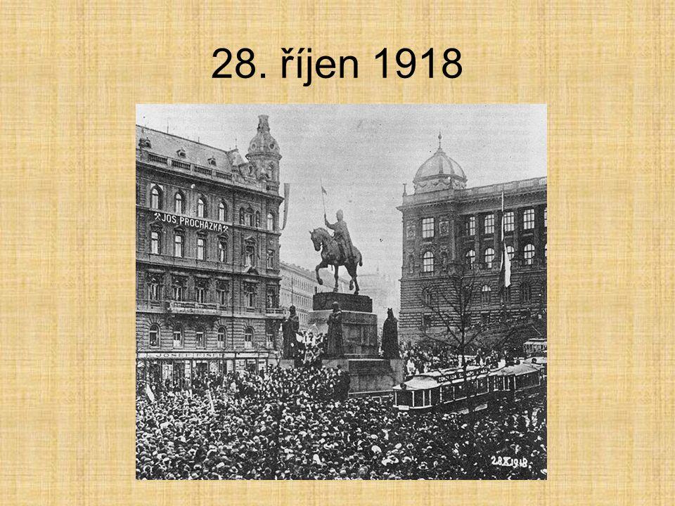 Vyhlášení samostatnosti 28. 10. 1918 na Václavském náměstí Národní slavnost provázející nadšení, strhávání rakouských symbolů, vyvěšování trikoloryNár
