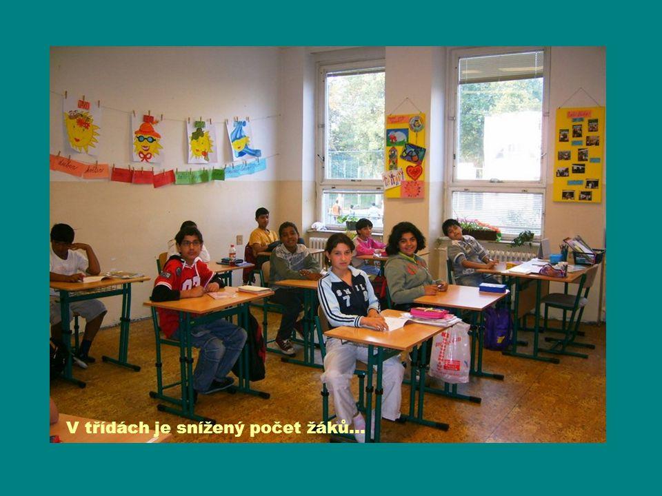 V třídách je snížený počet žáků…