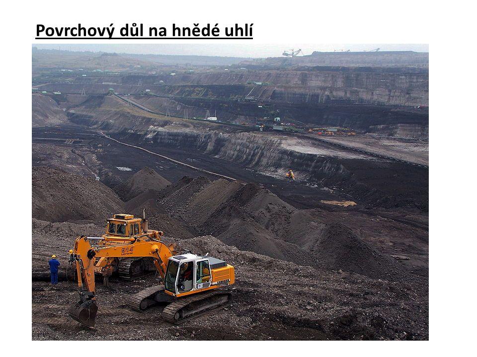 Povrchový důl na hnědé uhlí