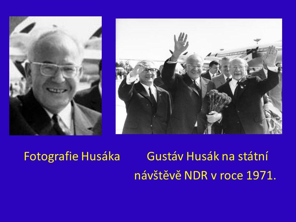 Fotografie Husáka Gustáv Husák na státní návštěvě NDR v roce 1971.