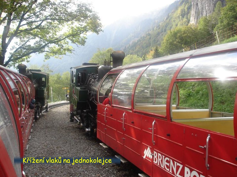 Křížení vlaků na jednokolejce