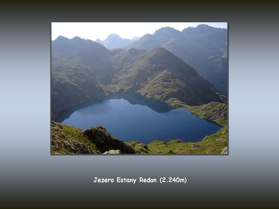 Jezero Estany Redon (2.240m)