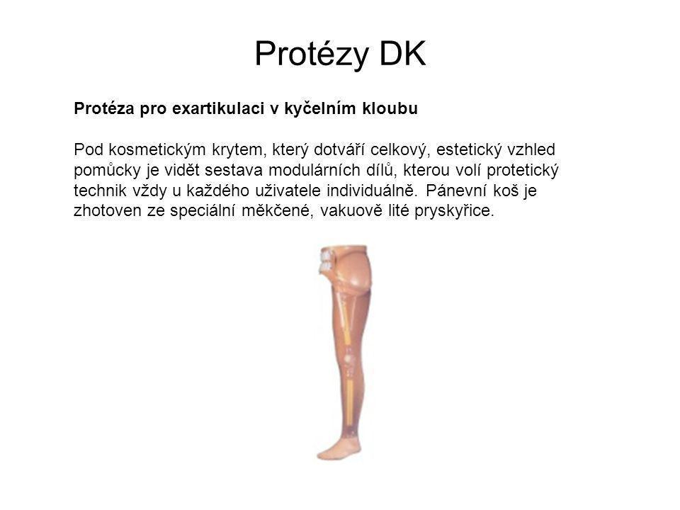 Protézy DK Protéza pro exartikulaci v kyčelním kloubu Pod kosmetickým krytem, který dotváří celkový, estetický vzhled pomůcky je vidět sestava modulárních dílů, kterou volí protetický technik vždy u každého uživatele individuálně.