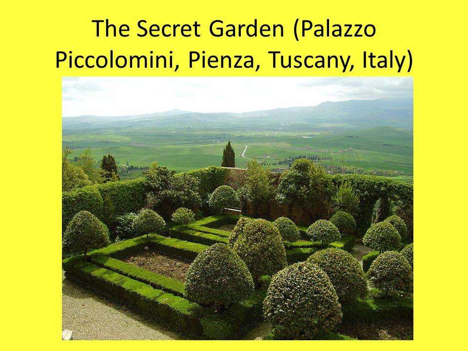 The Secret Garden (Palazzo Piccolomini, Pienza, Tuscany, Italy)