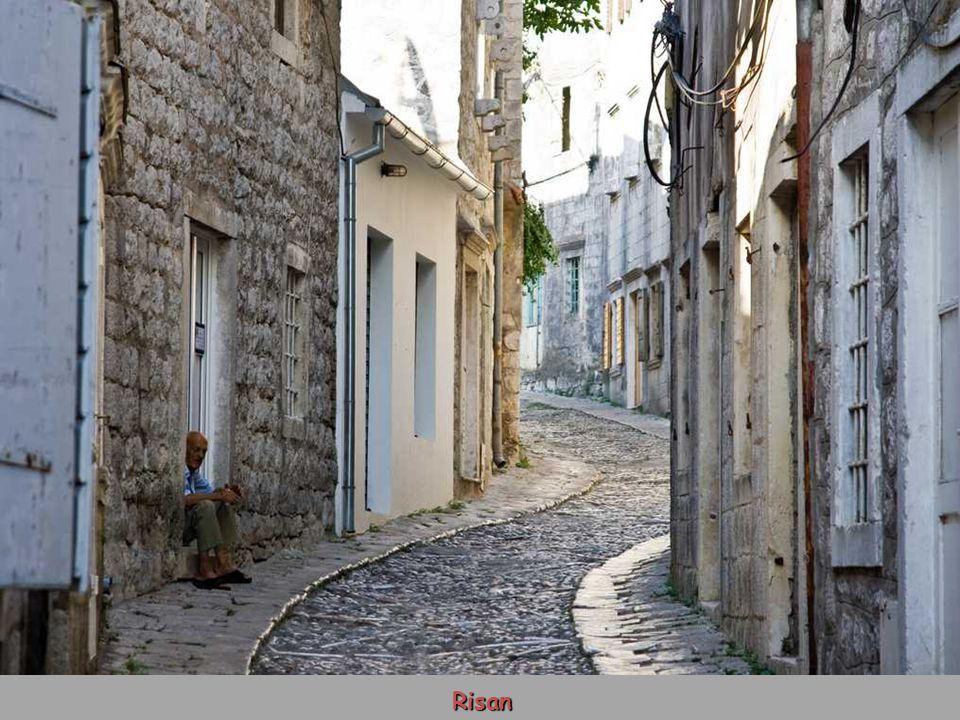 Risan (Rhizon) v Boce Kotorské, osídleno od 4. stol. př. Kr.