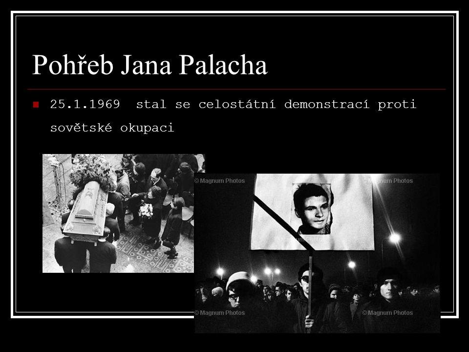 Pohřeb Jana Palacha 25.1.1969 stal se celostátní demonstrací proti sovětské okupaci
