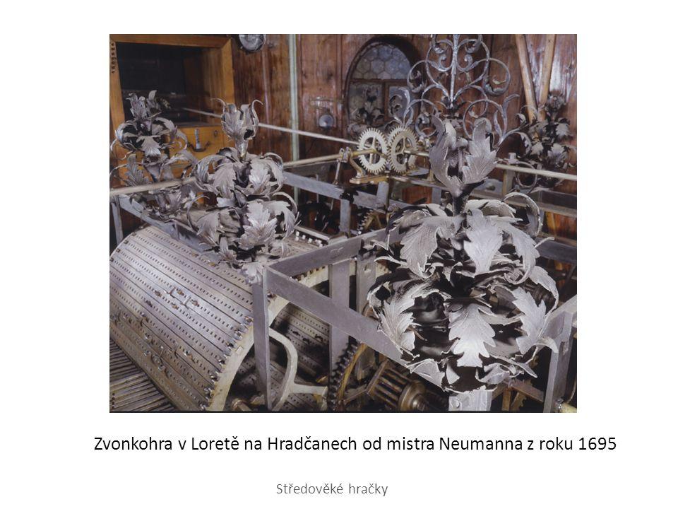 Zvonkohra v Loretě na Hradčanech od mistra Neumanna z roku 1695 Středověké hračky