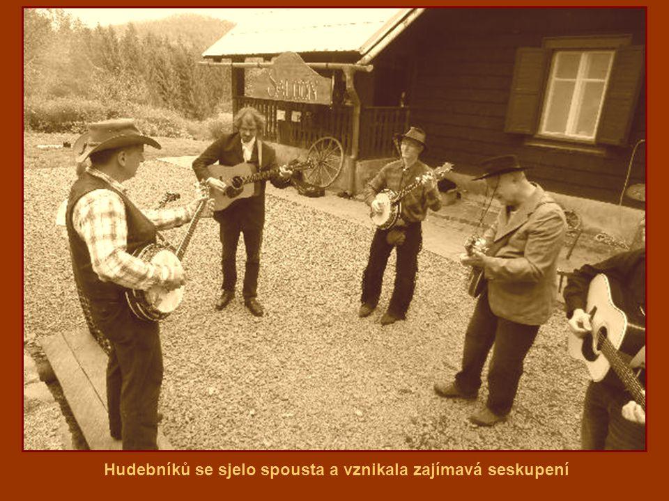 Hudebníků se sjelo spousta a vznikala zajímavá seskupení