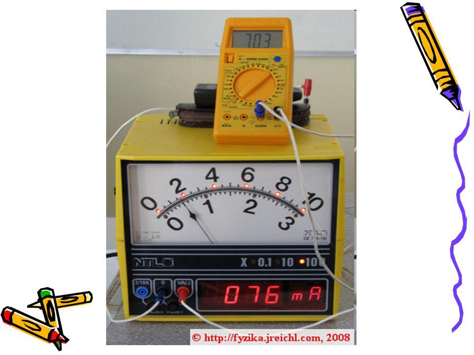 Napětí mezi svorkami rezistoru zvyšujeme tak, že nejprve použijeme jeden elektrický článek a poté dva, tři a čtyři elektrické články.