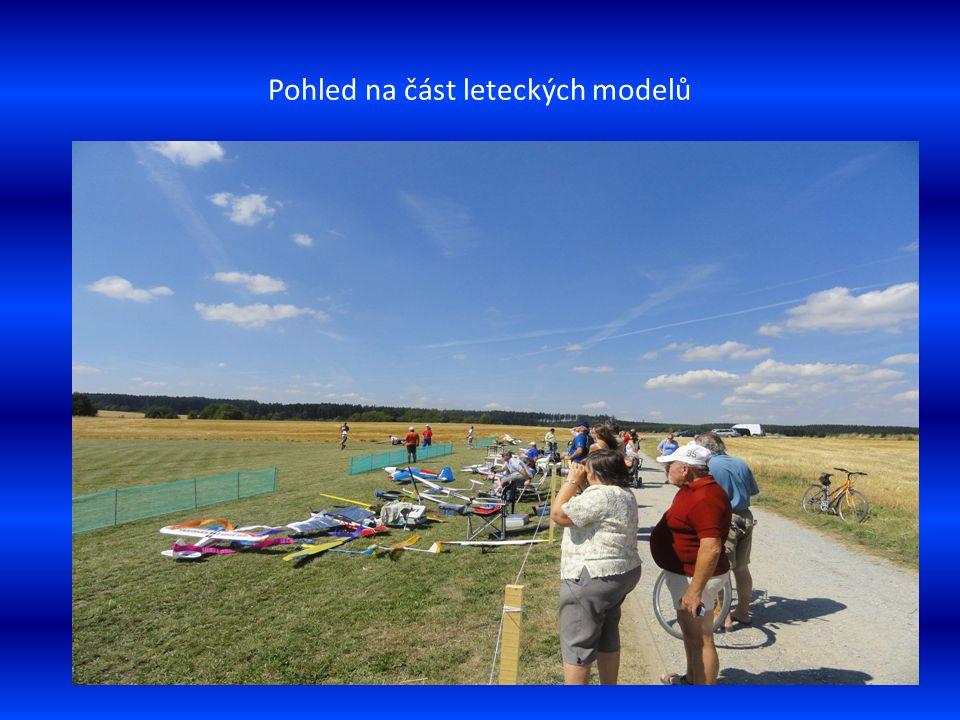 Odstartováno model větroně pilotuje p. Barša