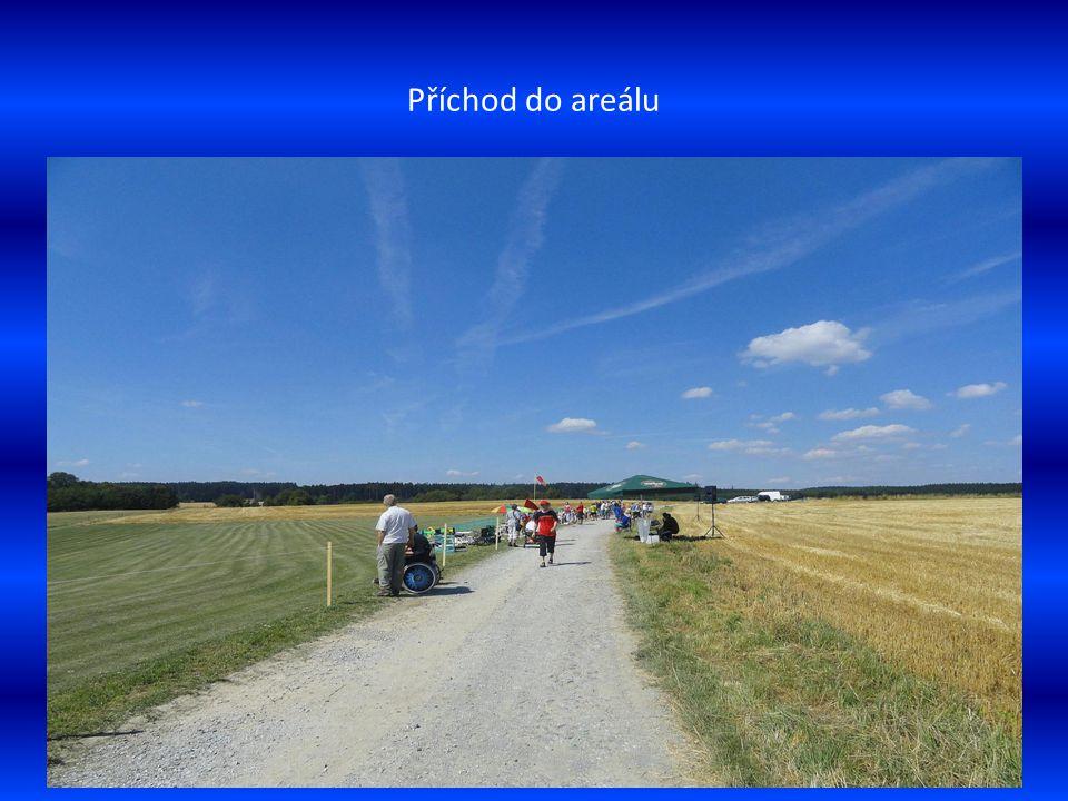 Úvod Také letos jsme se zúčastnili předvádění leteckých modelů v obci Vysočany, nedaleko města Sloupu na Drahanské vysočině.