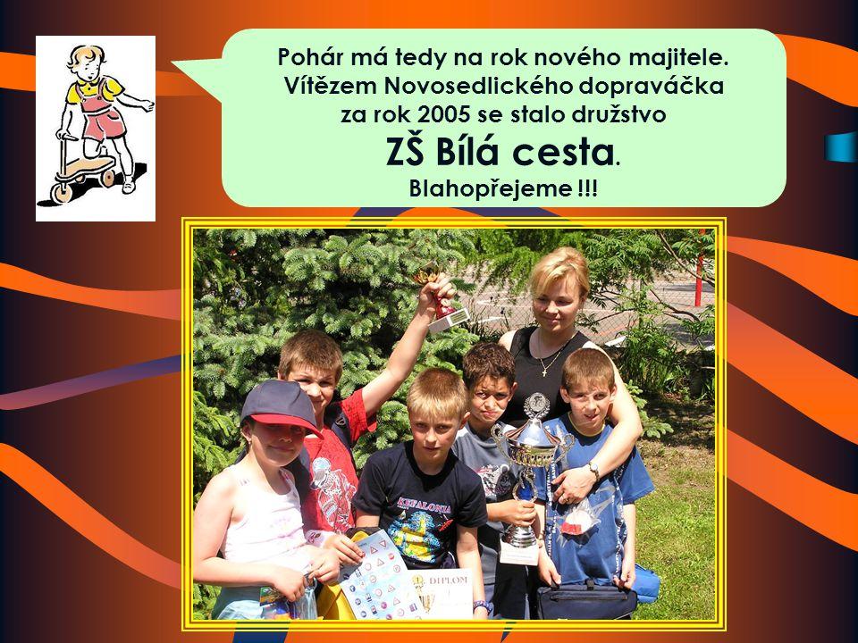 Starosta Novosedlic pan Kalaš společně s paní ředitelkou Svobodovou mohou rozdat ceny.