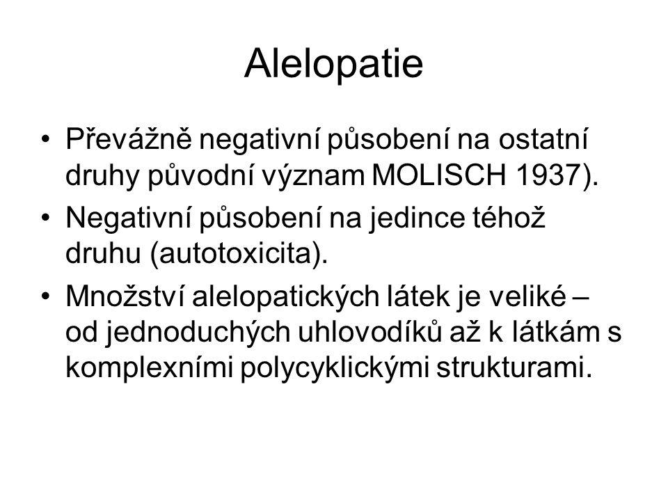 Alelopatie Převážně negativní působení na ostatní druhy původní význam MOLISCH 1937). Negativní působení na jedince téhož druhu (autotoxicita). Množst