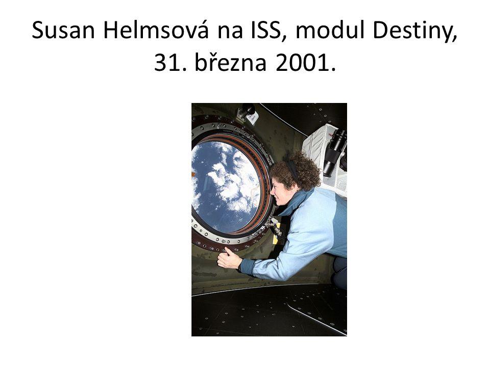 Susan Helmsová na ISS, modul Destiny, 31. března 2001.