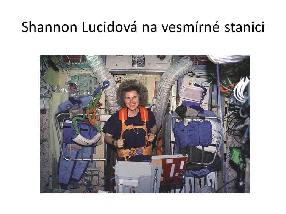 Shannon Lucidová na vesmírné stanici
