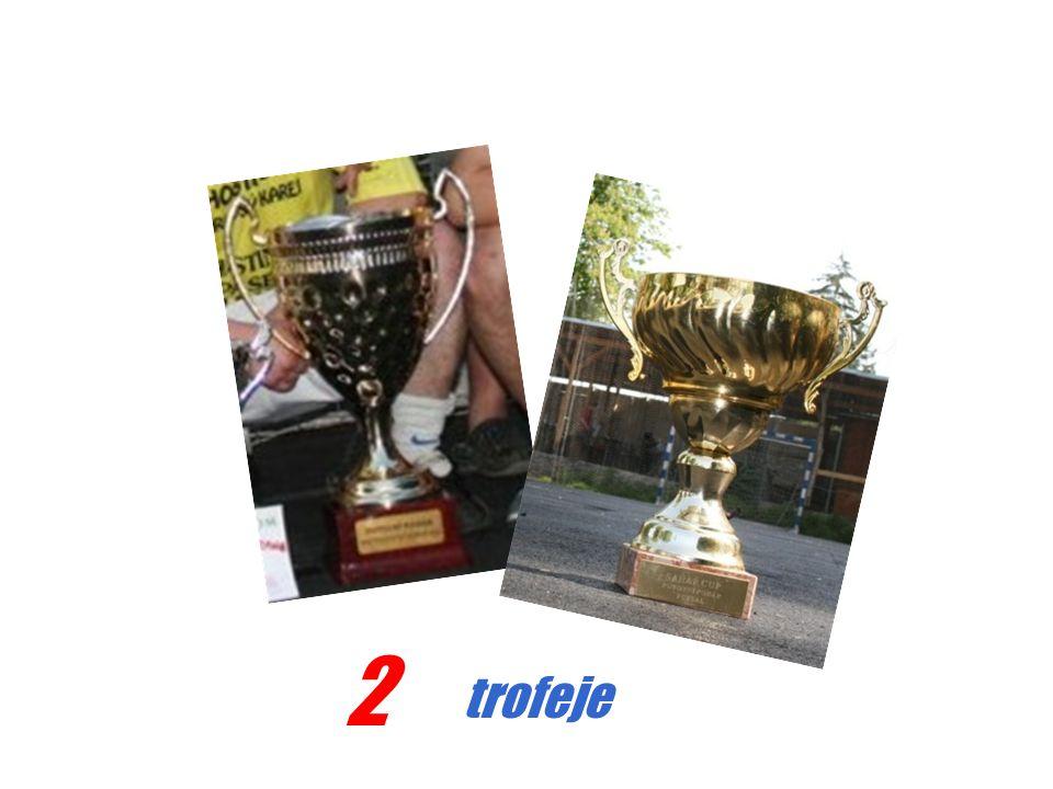 2 trofeje