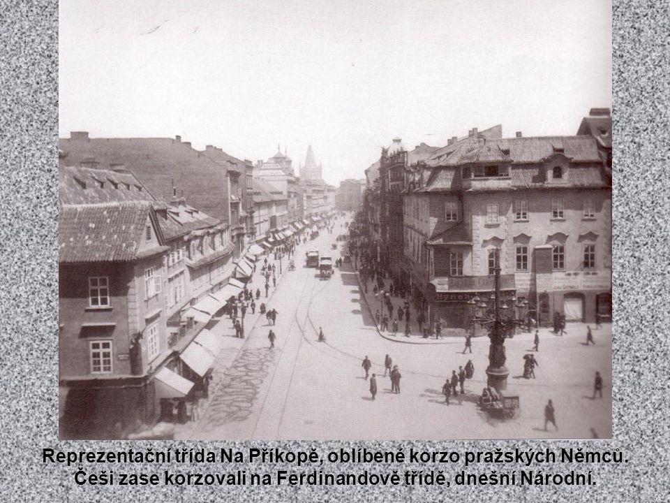 Prašná brána po přestavbě provedené Josefem Mockerem v letech 1875-1886.