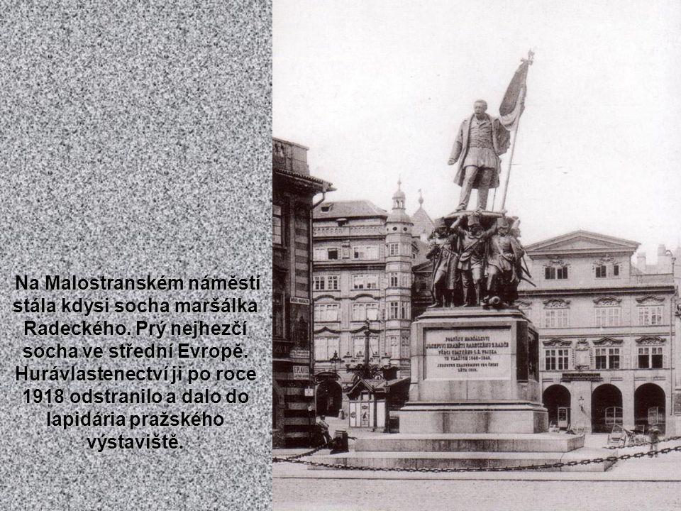 Vzácný snímek ze 60. let 19. století, kdy ještě existovaly v Praze hradby. Na snímku Újezdská brána s navazující Hladovou zdí. Dnes tu stojí několikap