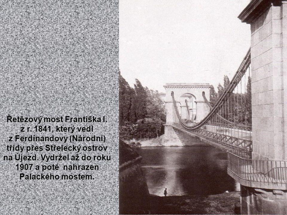 """Železná lávka pro pěší z Rejdiště na Klárov z r. 1869. Říkalo se jí """"Rudolfova"""" nebo také """"Železná""""."""