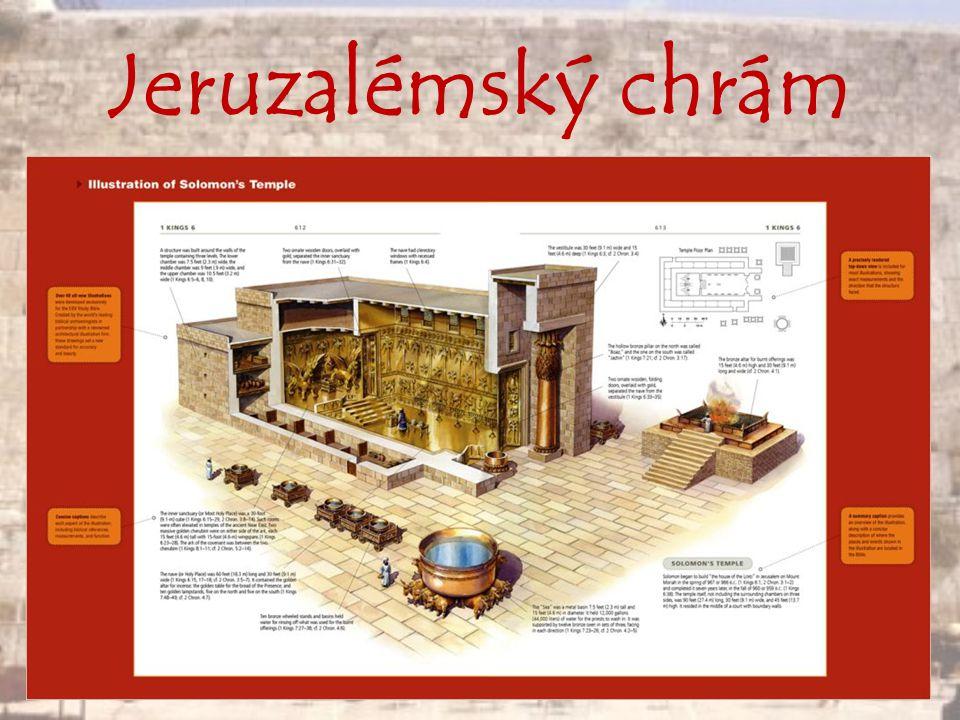 Dostavěn byl v 10.století př. Kristem a stál na pahorku Chrámové hory téměř 400 let.