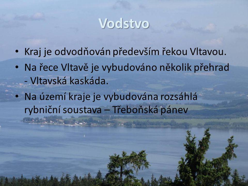 Vodstvo Kraj je odvodňován především řekou Vltavou. Na řece Vltavě je vybudováno několik přehrad - Vltavská kaskáda. Na území kraje je vybudována rozs