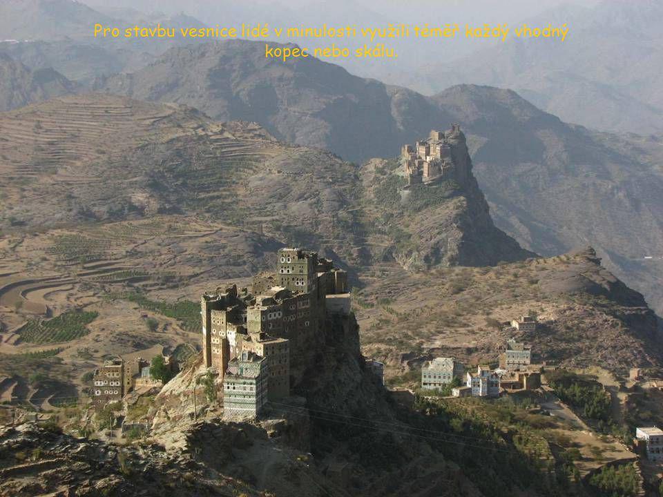 Typická opevněná vesnice v horách Džebel Haraz. Takových jsou tu tisíce a každá má přitom svoje nezaměnitelné kouzlo.