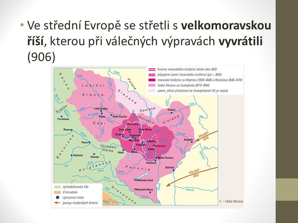 Usadili se kolem řeky Dunaje – odtud podnikali kořistnické výpravy západním směrem Přítrž jim učinil až Ota I., který za pomoci českého knížete Boleslava I.