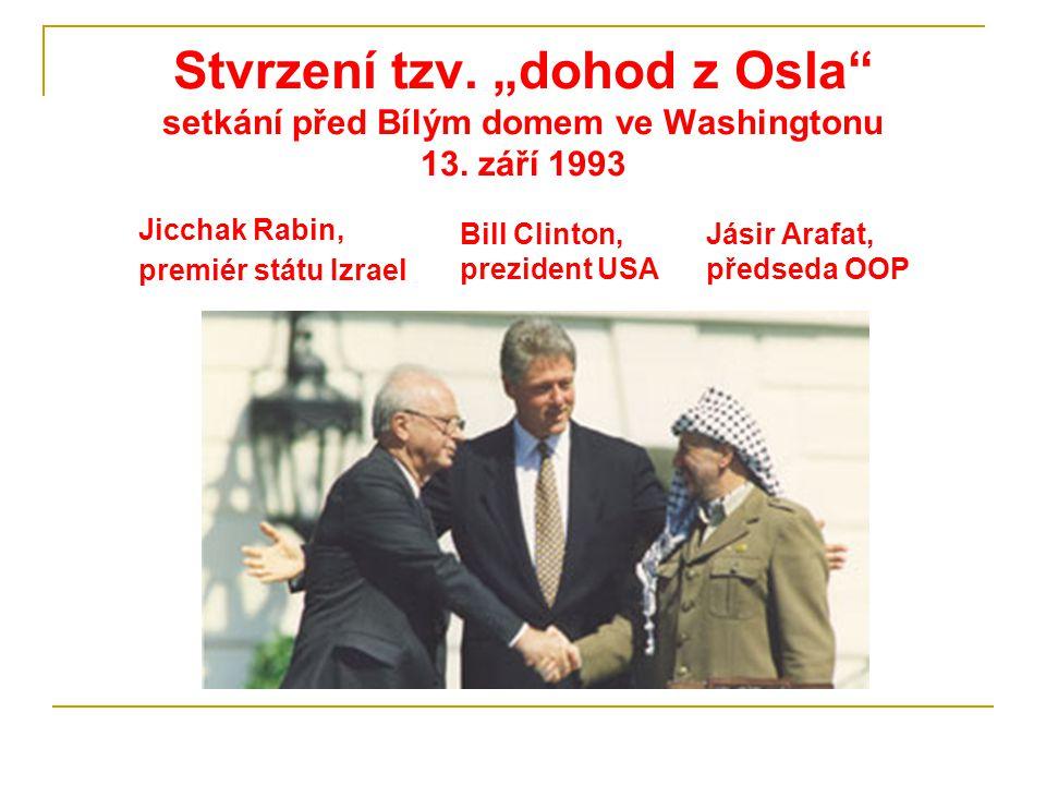 """Stvrzení tzv. """"dohod z Osla"""" setkání před Bílým domem ve Washingtonu 13. září 1993 Bill Clinton, prezident USA Jicchak Rabin, premiér státu Izrael Jás"""