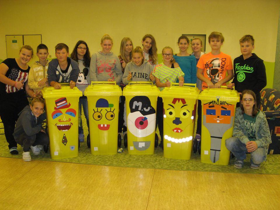 Malování třídy A když jsme byli v tom zkrášlování svého okolí, nezapomněli jsme ani na svou třídu.