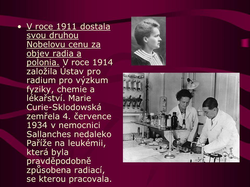V roce 1906 byla jmenována první profesorkou na pařížské Sorbonně (všeobecná fyzika po svém tragicky zemřelém manželovi).