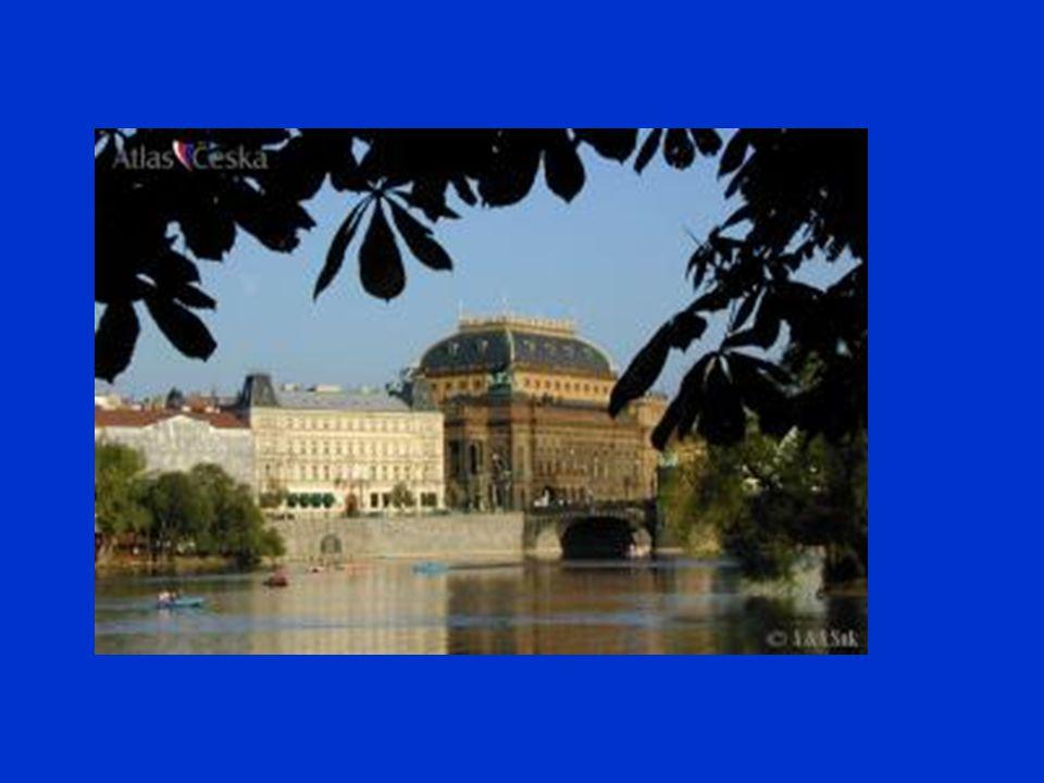 Úvodem Třebaže myšlenka samotného divadla v české řeči se zrodila již v 80.