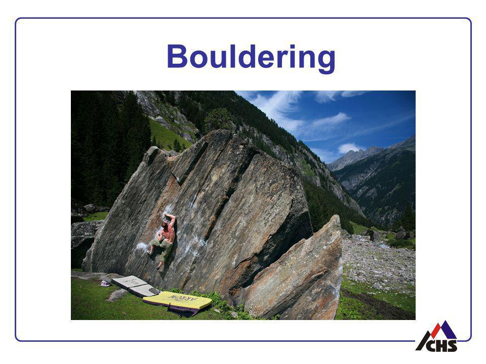 Drytooling historicky přenášení horolezeckých aktivit v horách do nižších poloh trend: vyhledávání nových lokalit zejména pro extrémní formy tohoto sportu zatím menšinová disciplína při vytipovávání nových oblastí je nutno brát maximální ohled na OP !