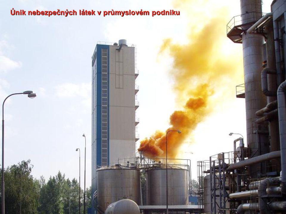Únik nebezpečných látek v průmyslovém podniku