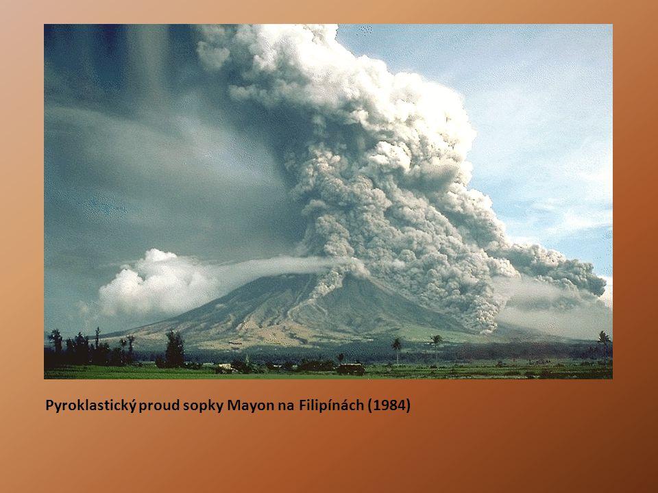 Pyroklastický proud sopky Mayon na Filipínách (1984)