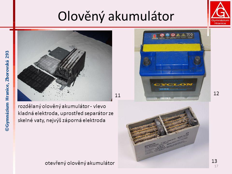 Olověný akumulátor 17 rozdělaný olověný akumulátor - vlevo kladná elektroda, uprostřed separátor ze skelné vaty, nejvýš záporná elektroda otevřený olo