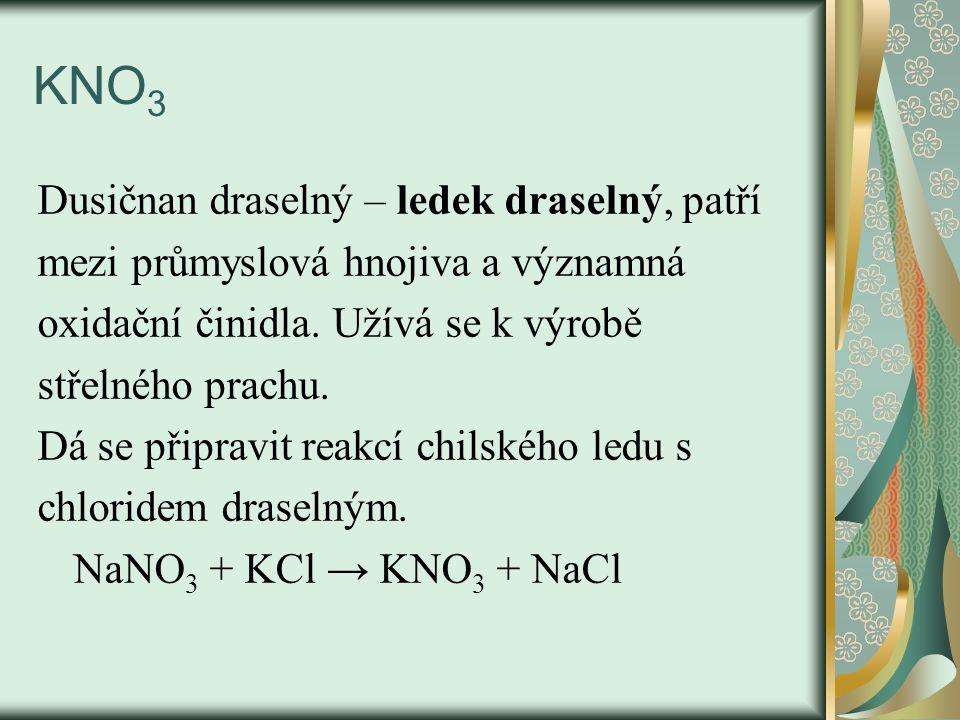 Uhličitany – Na 2 CO 3, K 2 CO 3 Soda – Na 2 CO 3 – významná sloučenina, užívá se k výrobě skla, v textilním a papírenském průmyslu, výroba detergentů, Vyrábí se Solvayovým způsobem – do roztoku solanky nasyceného amoniakem se vhání oxid uhličitý: NaCl + H 2 O + NH 3 + CO 2 → NaHCO 3 + NH 4 Cl Získaný NaHCO 3 se odfiltruje a při t=150°C se rozkládá: 2NaHCO 3 → Na 2 CO 3 + H 2 O + CO 2