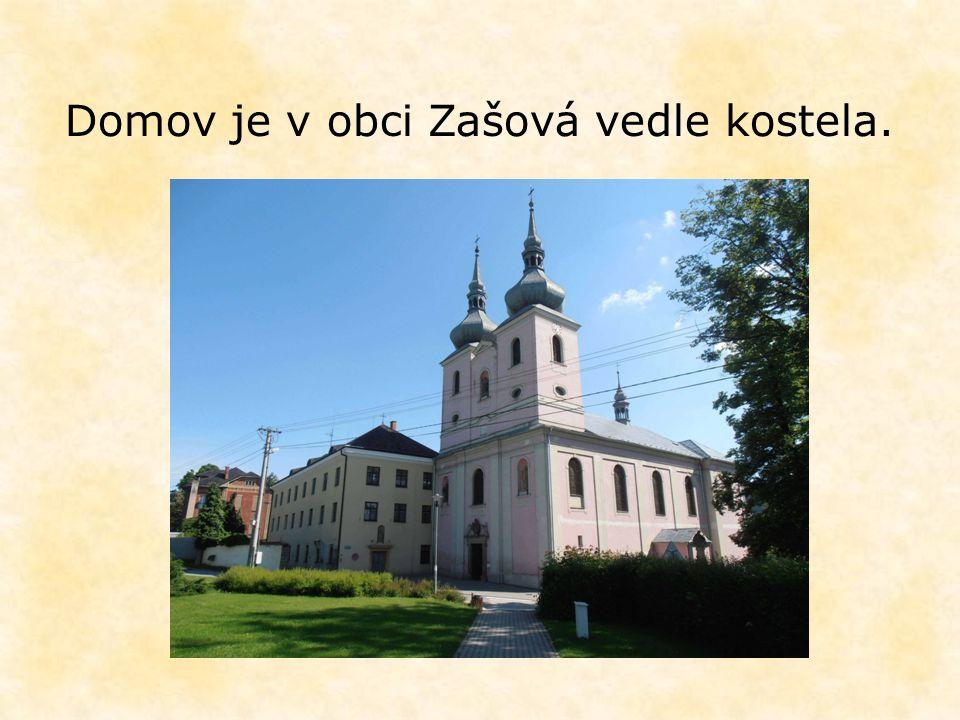 Domov je v obci Zašová vedle kostela.