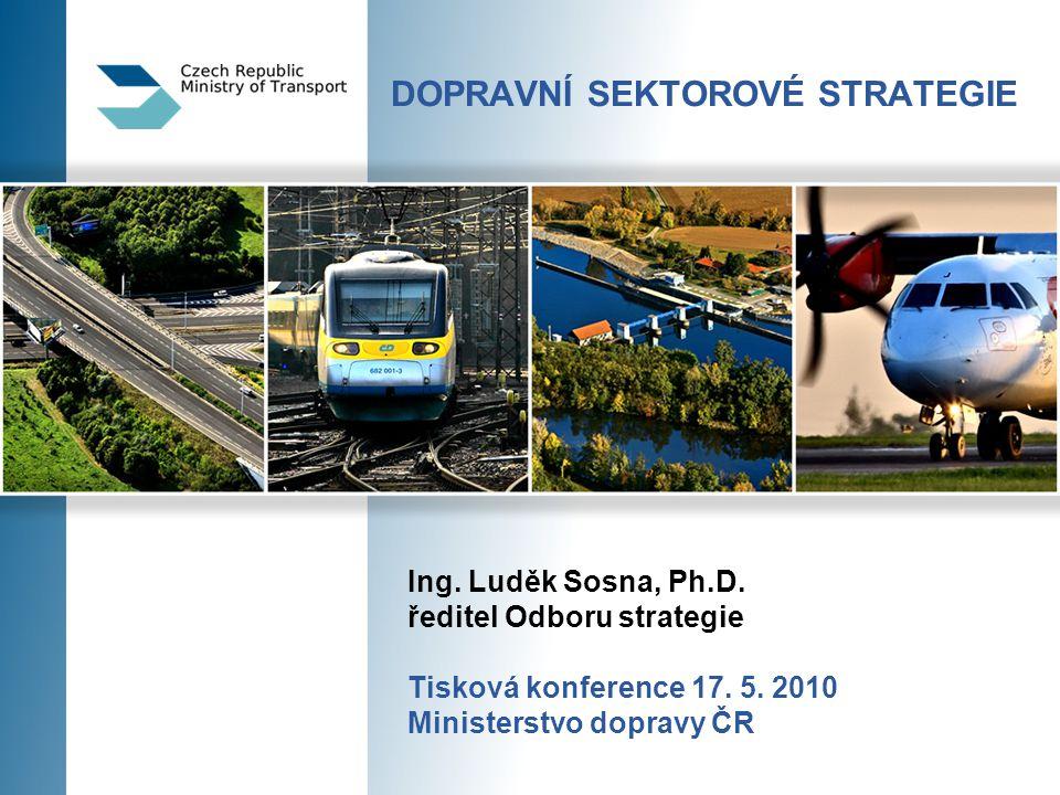 2 Dopravní sektorové strategie – 1.fáze  Národní dokument zaměřený na krátkodobý časový horizont rozvoje dopravní infrastruktury  Důvod zpracování  Dopravní politika předpokládá zpracování návazného dokumentu, původně Generální plán rozvoje dopravní infrastruktury – byl zpracován, ale nebyl schválen vládou  Pro fungování OPD je nezbytné mít stanovený jednoznačný plán rozvoje dopravní infrastruktury s jasně stanovenými prioritami  Potřeba krátkodobého materiálu, jako podpora OPD do roku 2013 Dopravní sektorové strategie