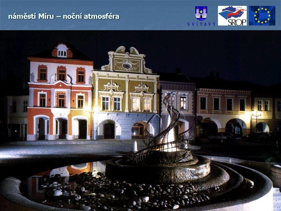 náměstí Míru – noční atmosféra