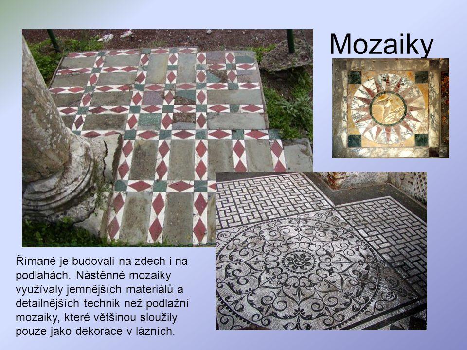 Mozaiky Římané je budovali na zdech i na podlahách. Nástěnné mozaiky využívaly jemnějších materiálů a detailnějších technik než podlažní mozaiky, kter