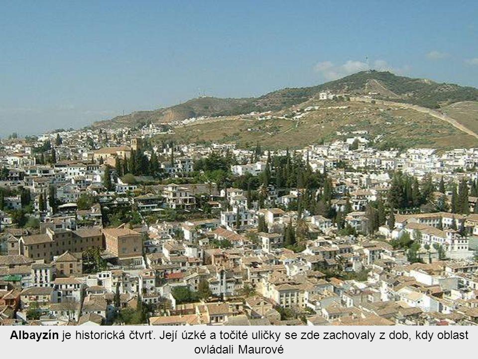 Hlavními centry města je Albaycín a Alhambra