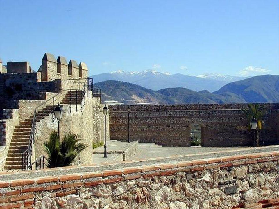 Pevnost Alcazaba Věž spravedlnosti – vchod do pevnosti