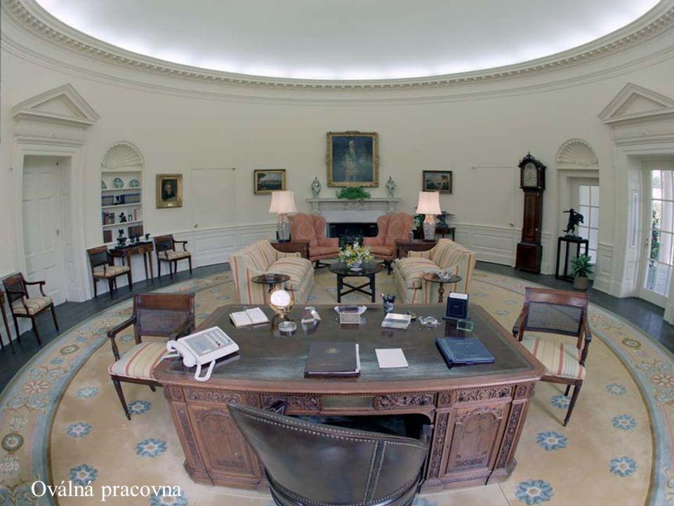 Letecký pohled na celý areál Bílého Domu